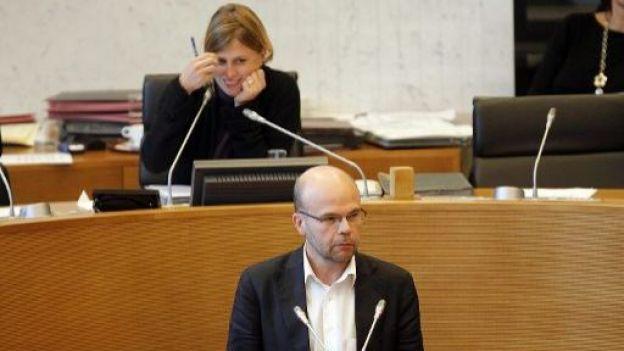 Historien - parlementaire